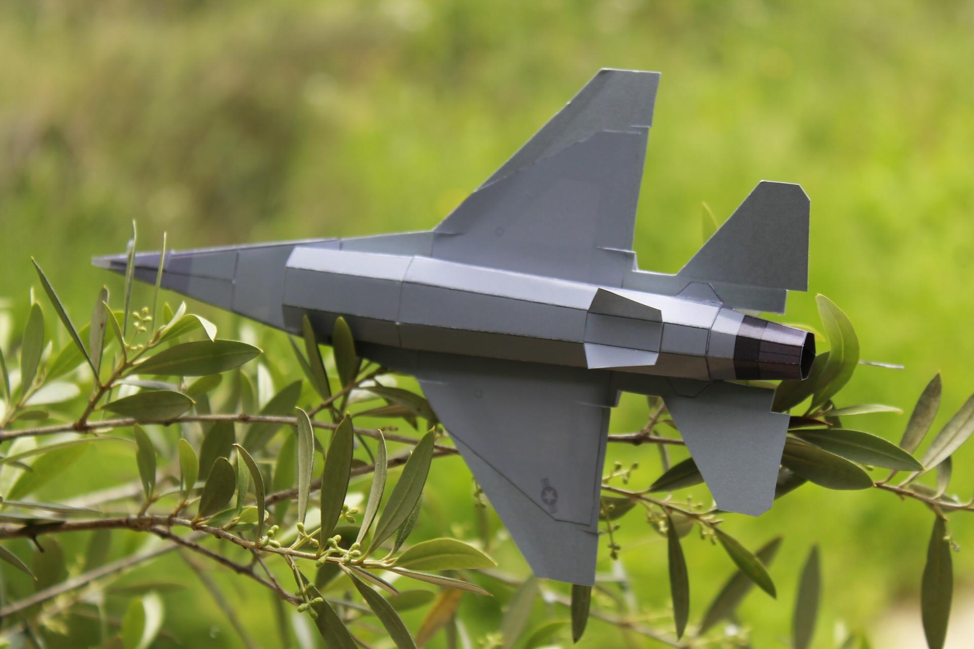 Paper F-16 Cougars PaperAircrafts.com-1