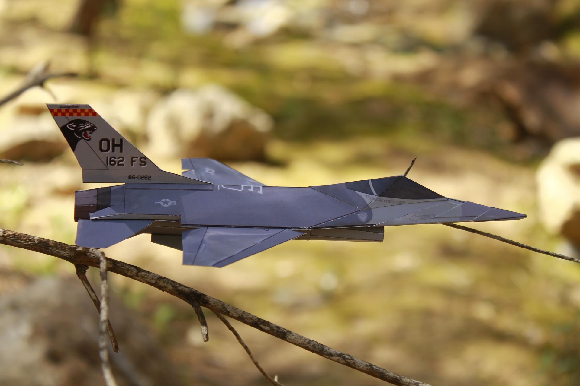 Paper F-16 Cougars PaperAircrafts.com-3
