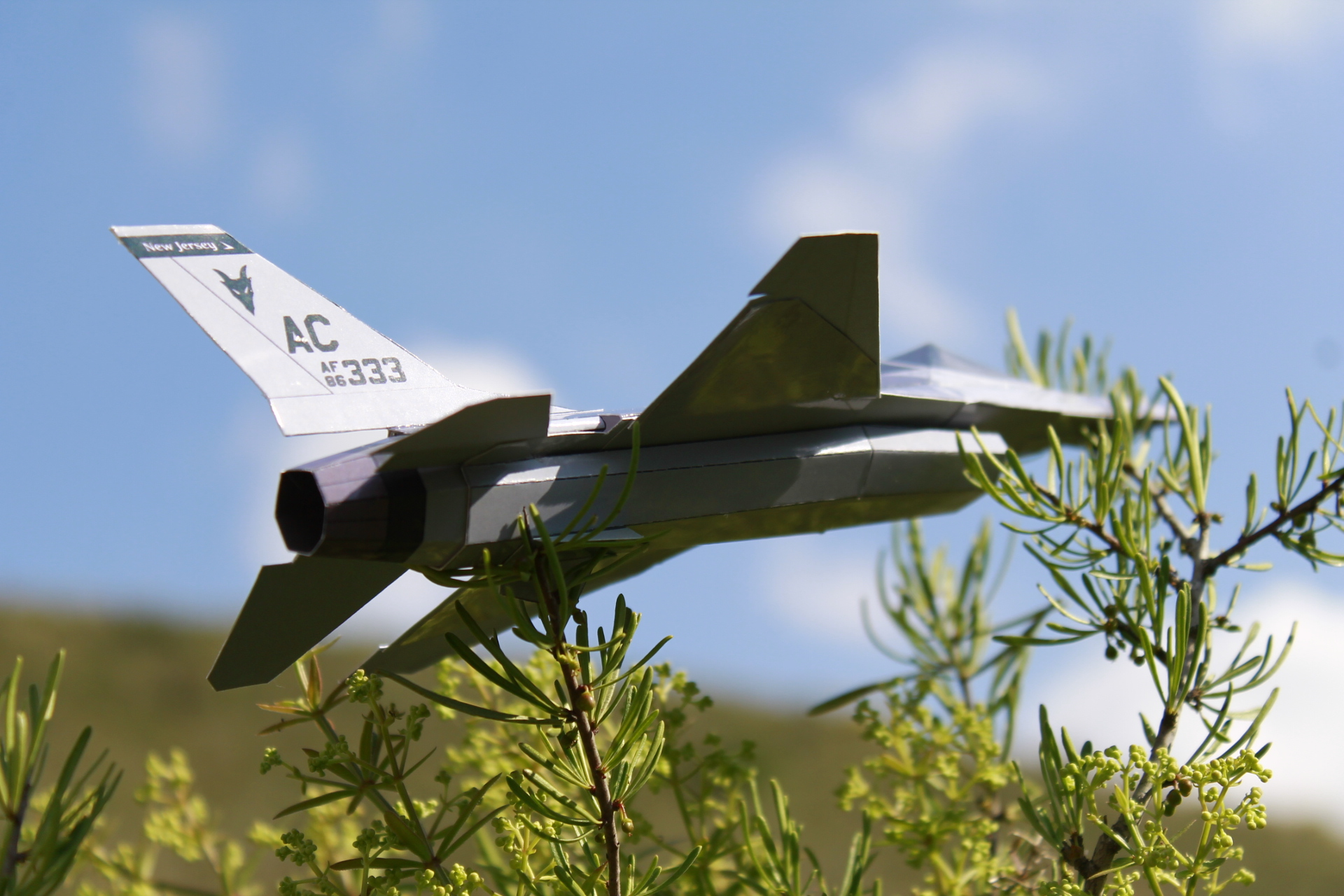 Paper F-16 Jersey Devils PaperAircrafts.com-5